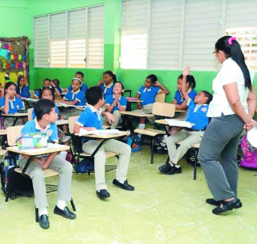 Año escolar 2021-22 inicia hoy  con desafíos impuestos Covid-19