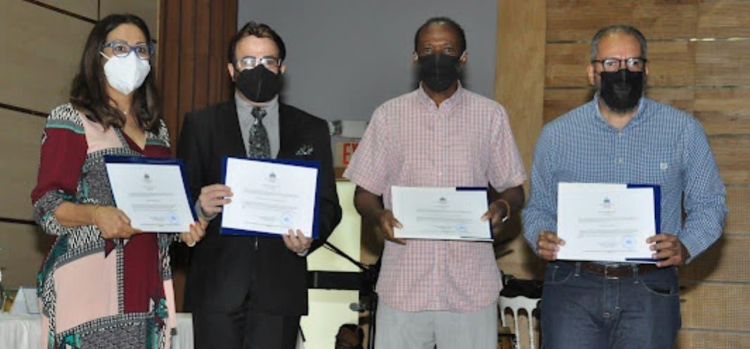 Cronistas Sociales reciben licencia  habilitación