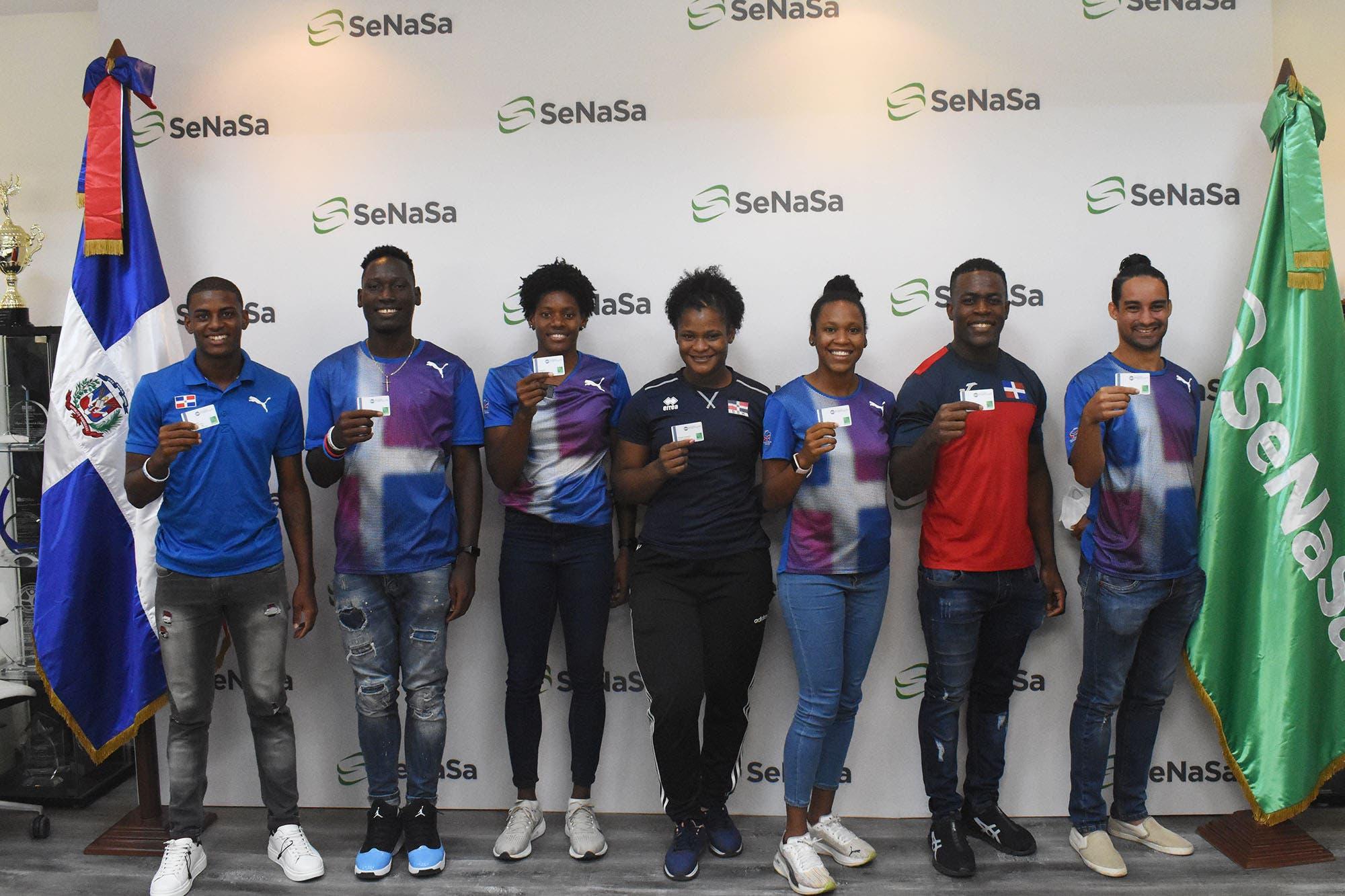 Medallistas olímpicos reciben seguro Premium de SeNaSa