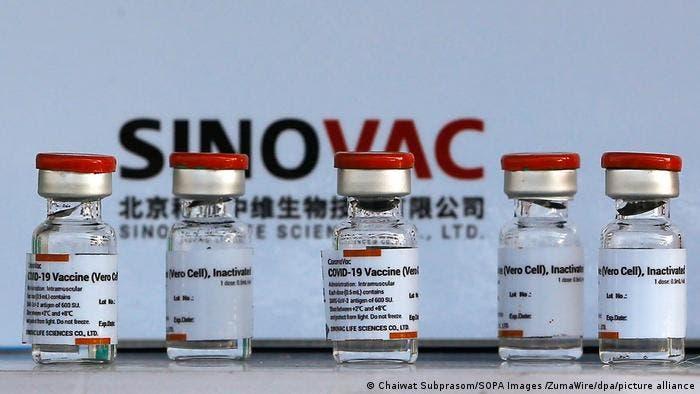 OPS anuncia acuerdo con la china Sinovac para ofrecer más vacunas en América
