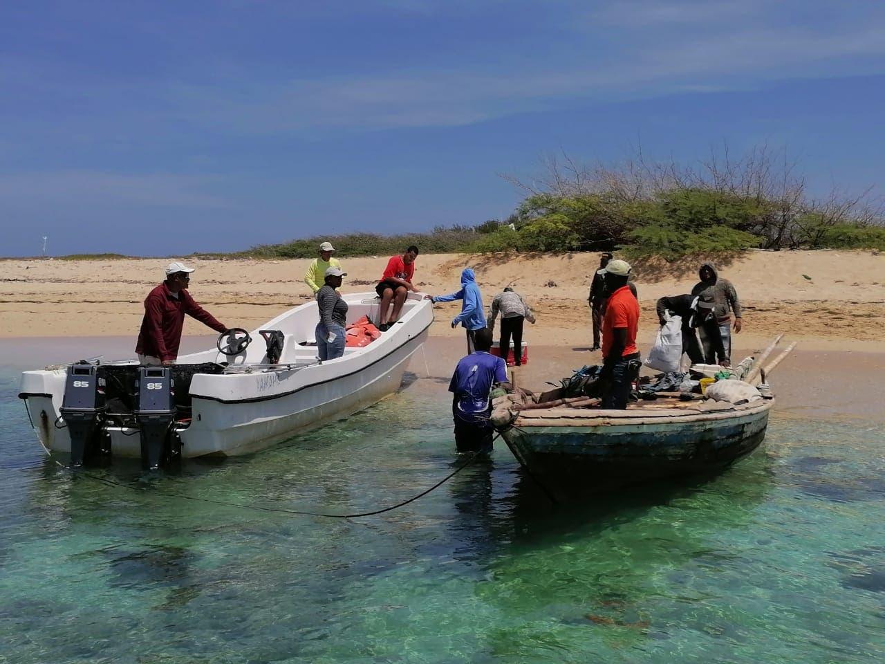 Medio Ambiente logra impongan prisión a haitianos por pescar especies en veda en Monte Cristi