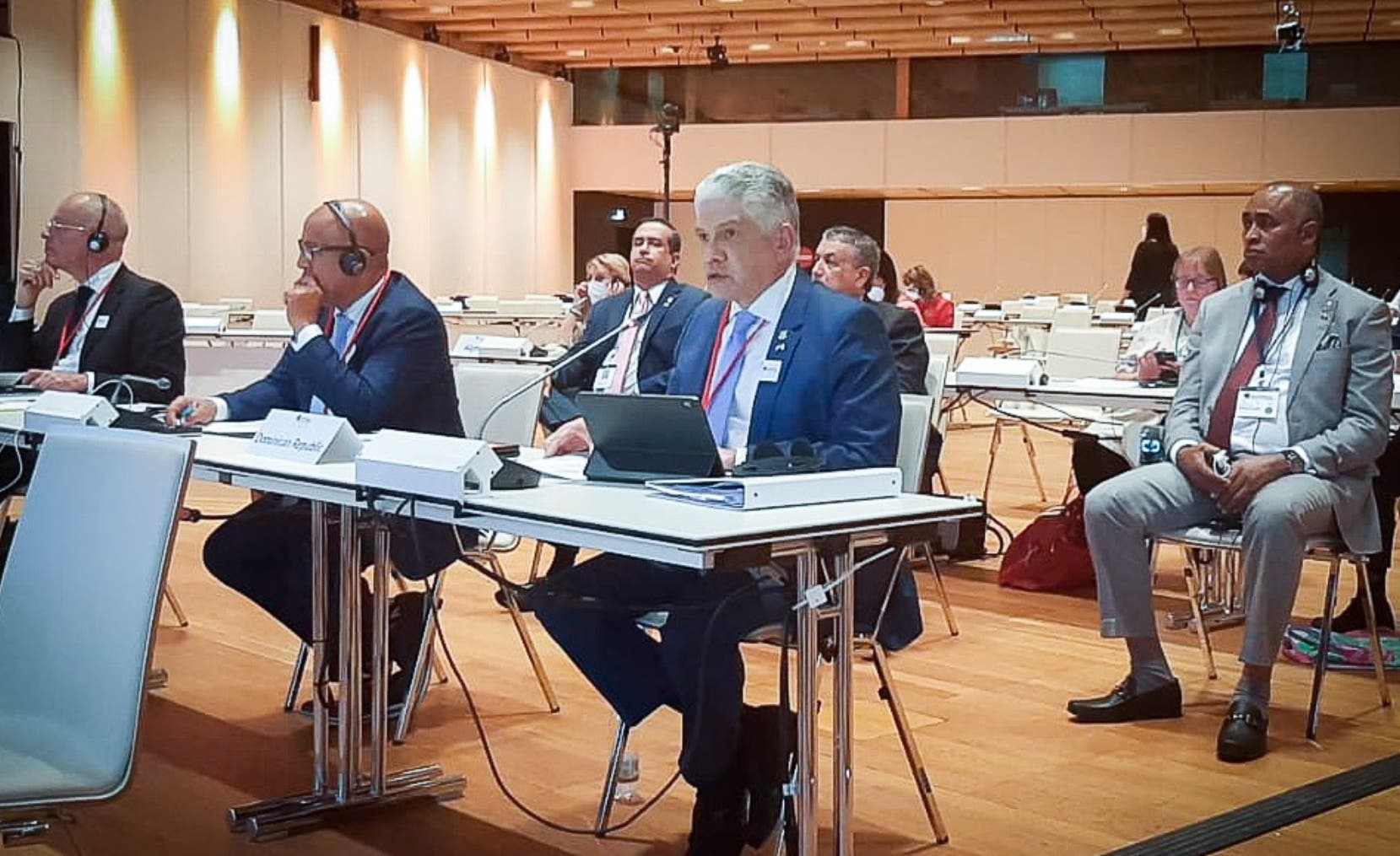Eduardo Estrella pide reducción deuda a países con 70 % de vacunados