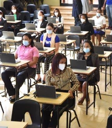Educación nombrará maestros sin concurso