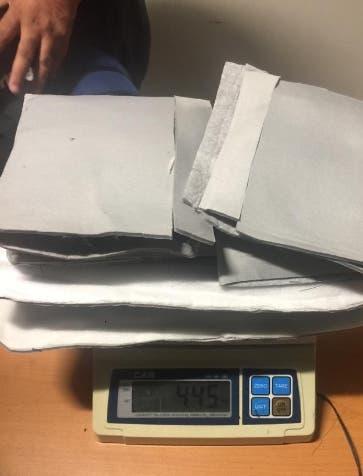 DNCD apresa mujer y le ocupa 4 kilos de coca en Aila