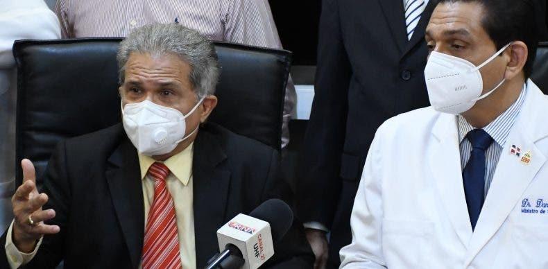 Ministro Salud exhorta al CMD  suspender paro