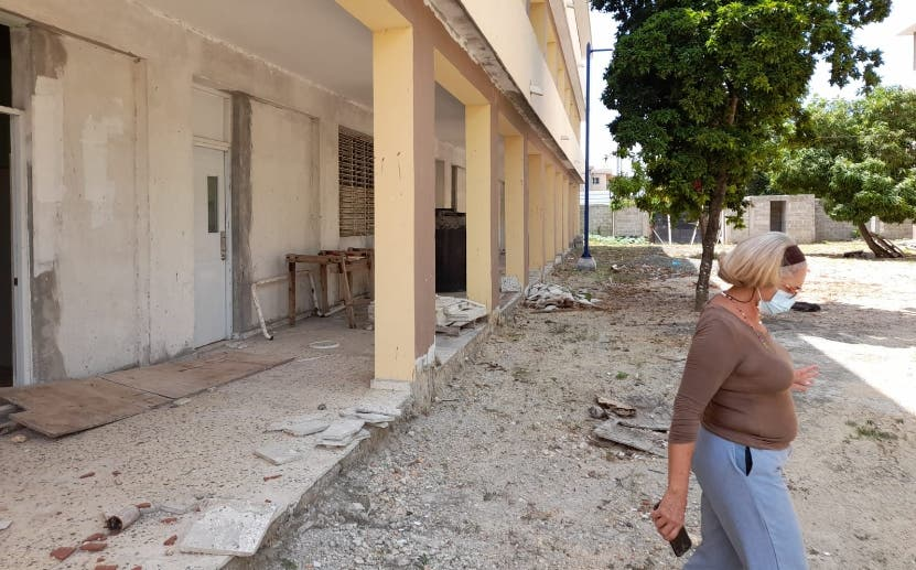 Escuela lleva siete años en costrucción