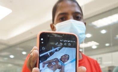 Madre pide ayuda para hijo con microcefalia