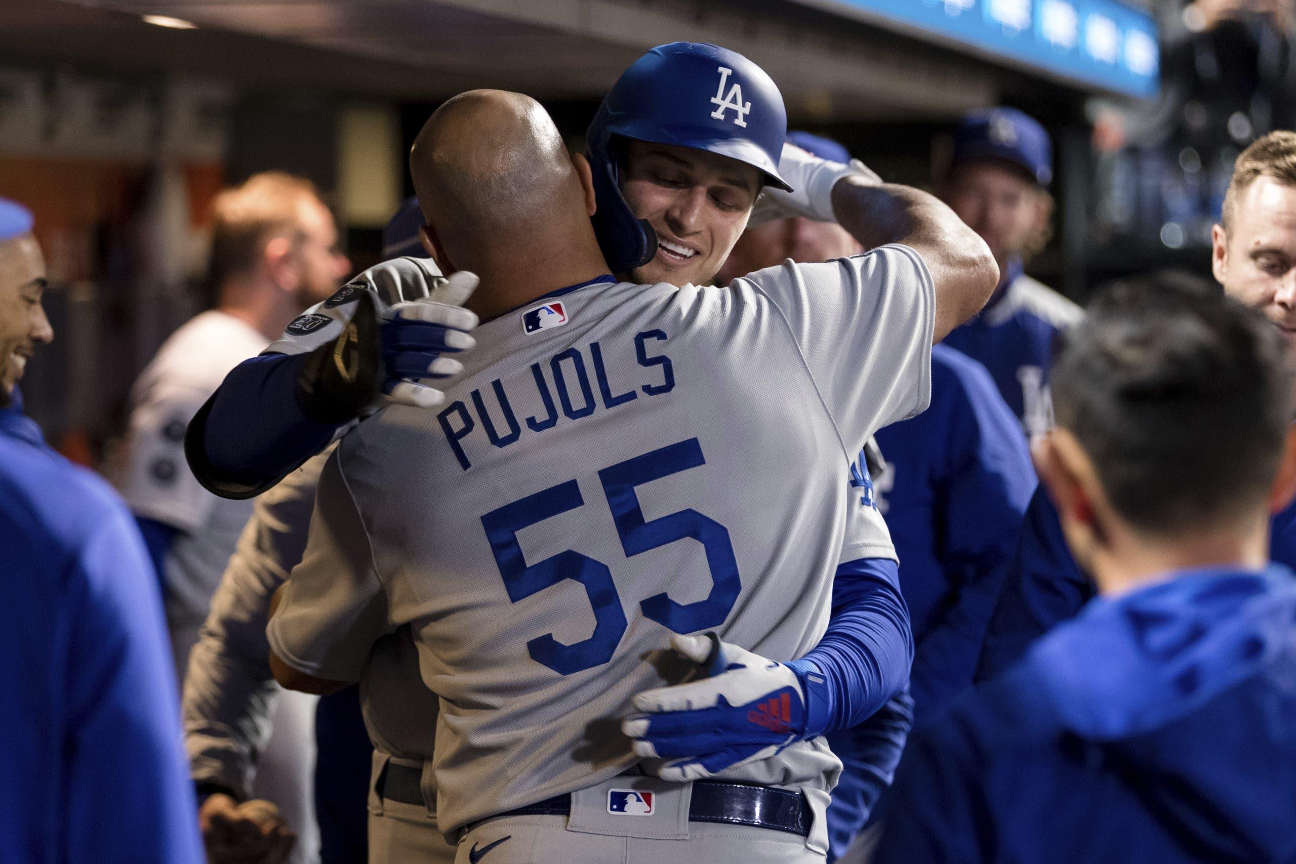 Dodgers derrotan a Gigantes 6-1, empatan la División Oeste