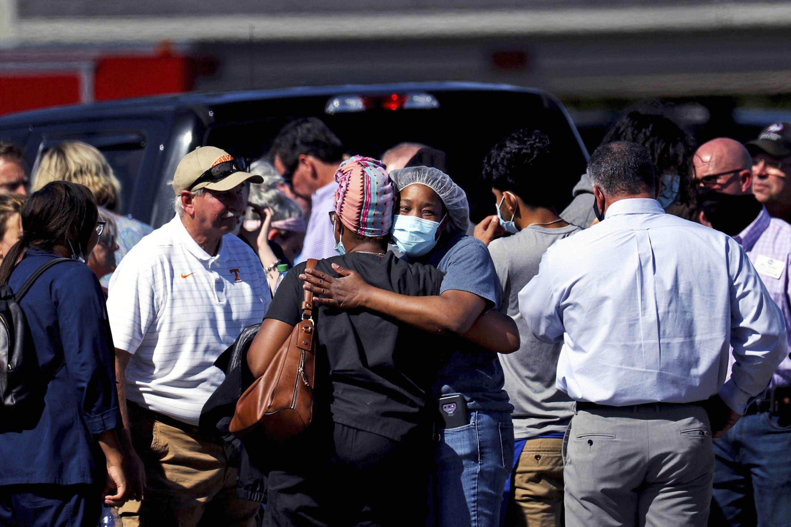 Tiroteo en supermercado de Tennessee deja 2 muertos, incluido el agresor