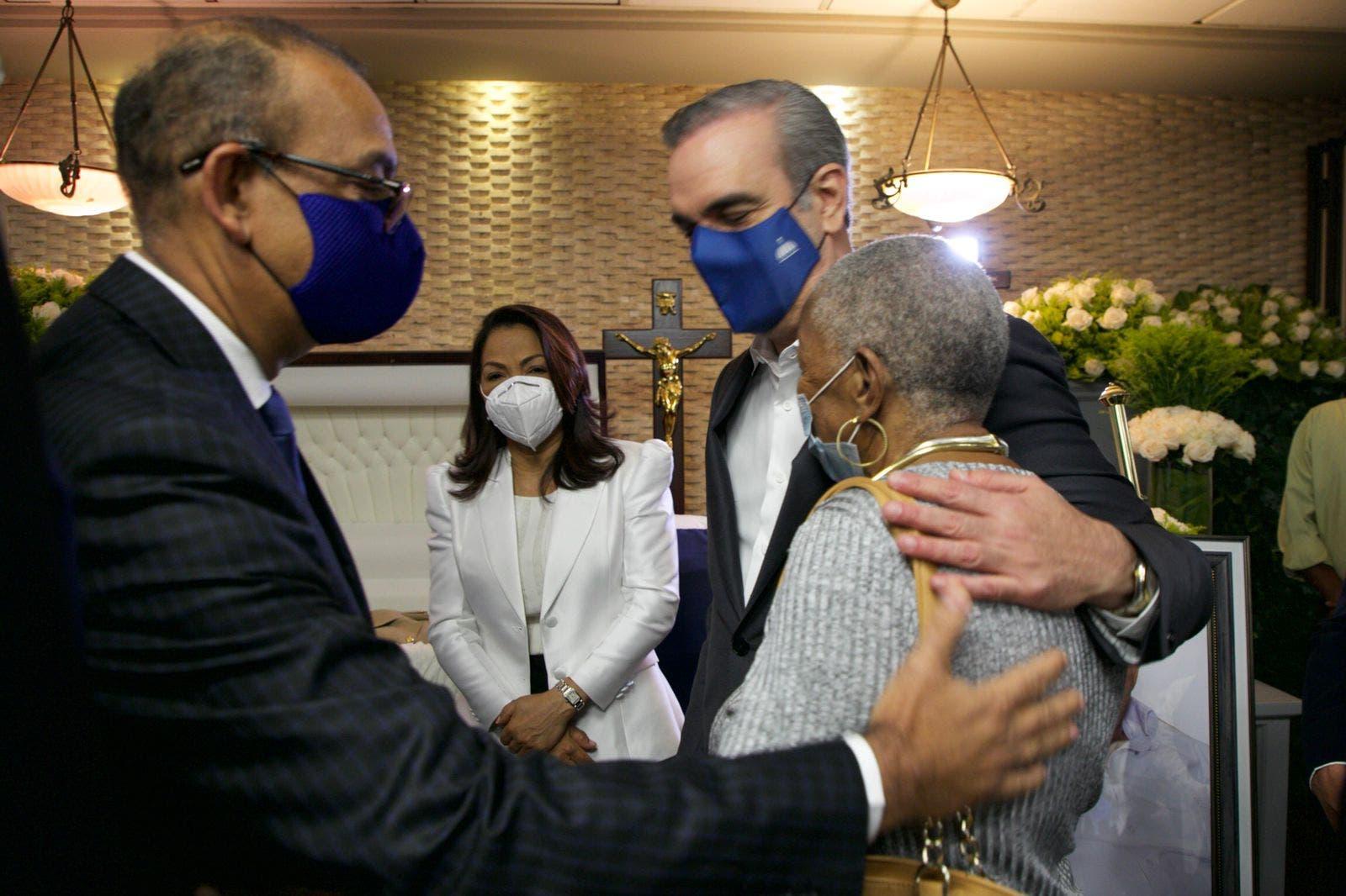 Presidente Abinader expresa condolencias a Deligne Ascención por muerte de su padre