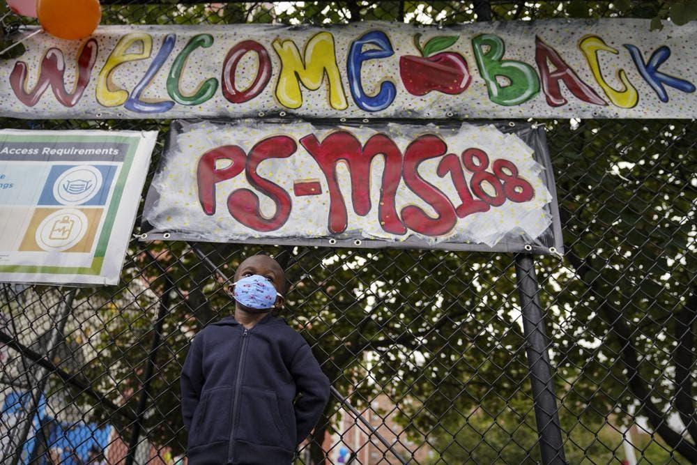 Las escuelas de Nueva York regresan a clases tras pandemia
