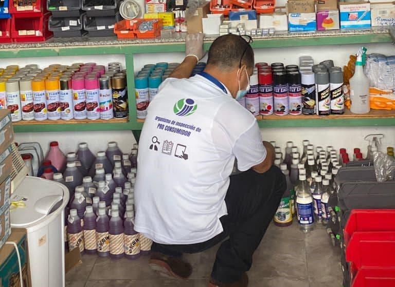 Pro Consumidor continúa incautandoácido del diablo en SPM y Santo Domingo