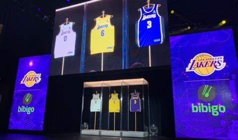 Lakers firman acuerdo por 100 millones de dólares con nuevo patrocinador