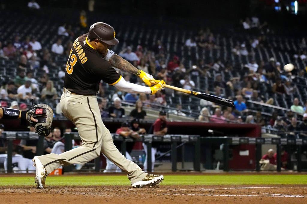 Machado jonronea y permite a Padres seguir en la lucha por los playoffs