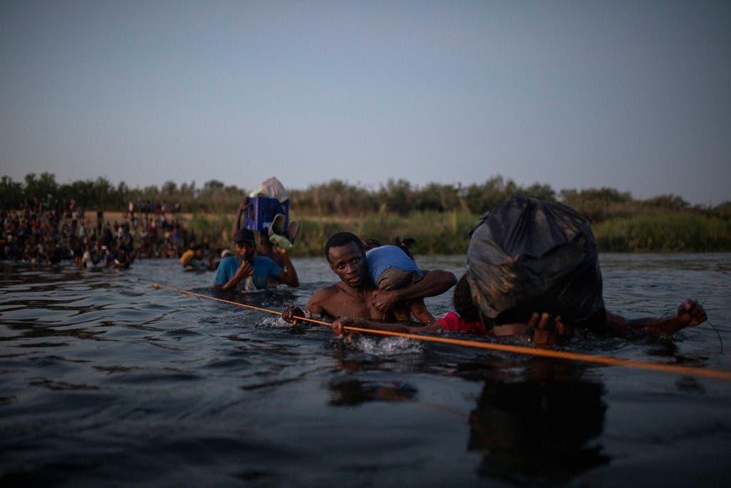 "EE.UU., tras cruce masivo de haitianos: ""Si viene ilegalmente, será devuelto»"