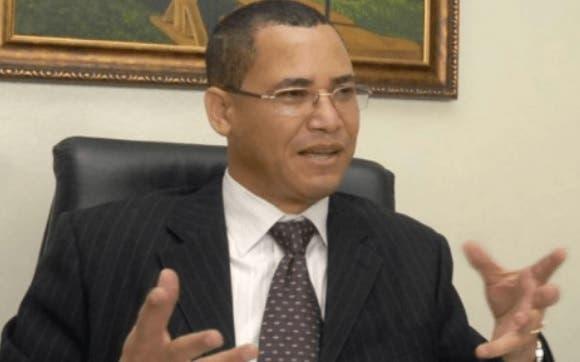 Eddy Olivares pide  militares puedan votar
