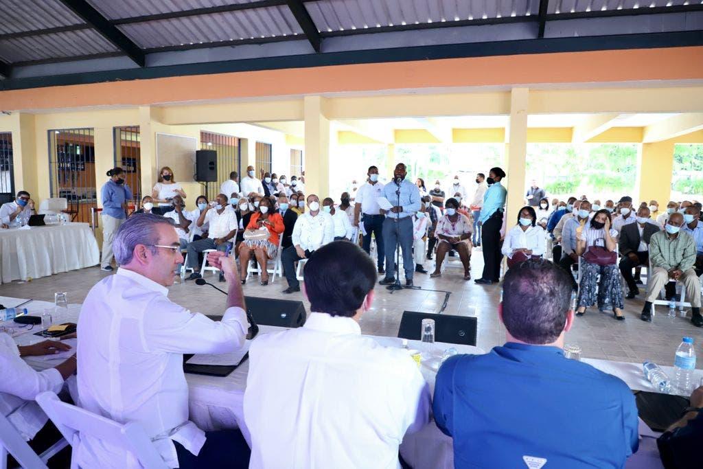 Abinader anuncia construcción de más de 2 mil viviendas en San Luis y San Isidro