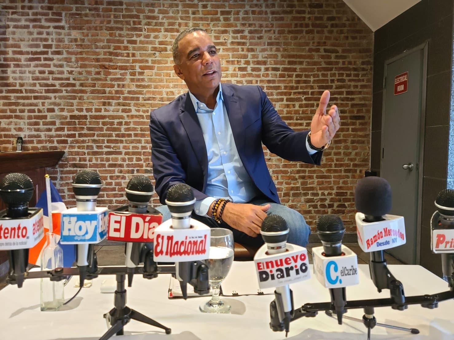 Senador Gómez agradece Abinader acoja clamores de dominicanos en el exterior