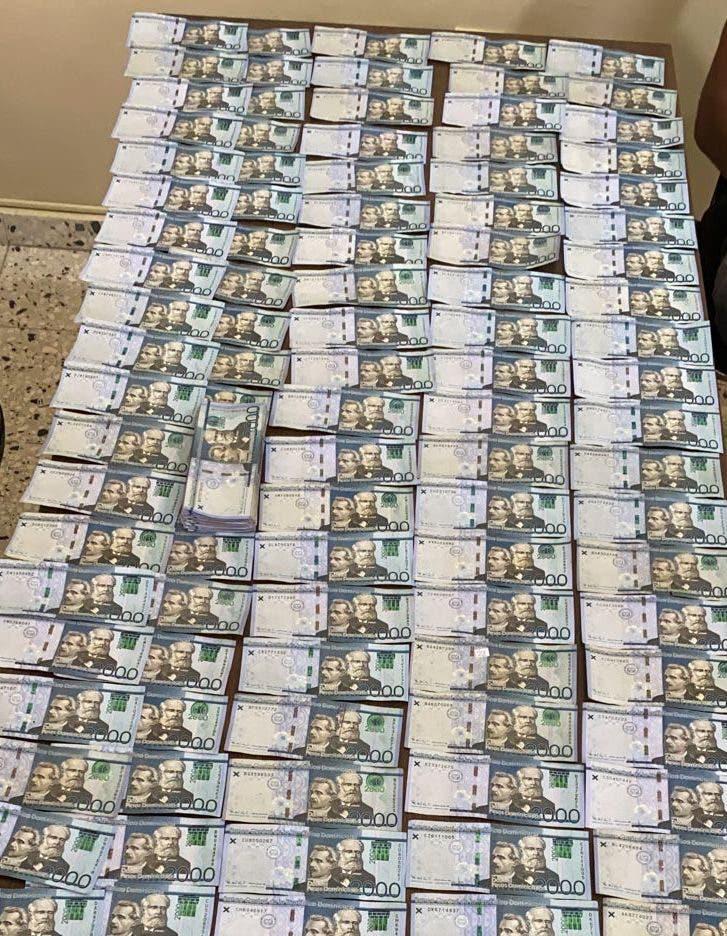 Policía Nacional apresa en Nagua cuatro personas por robo de medio millón de pesos a comerciante