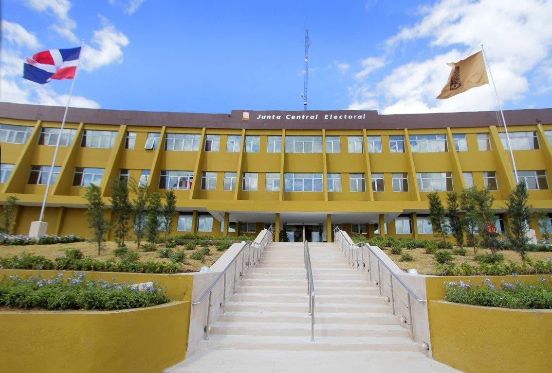 Jueza condena haitiano acusado de suplantación de identidad