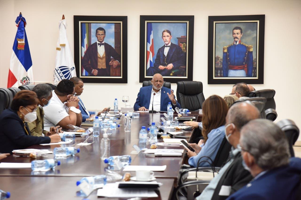 Comisión de Observadores respalda continuidad del Concurso Docente
