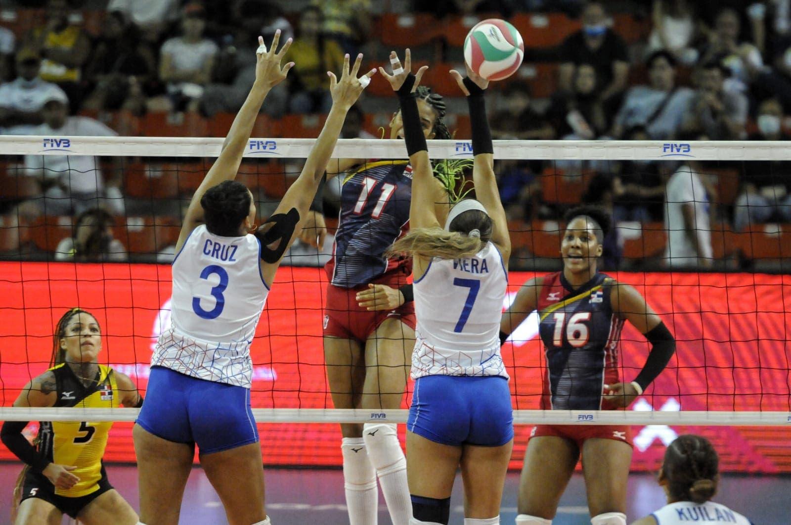 Reinas del Caribe barren en tres sets a las boricuas en Copa Panam