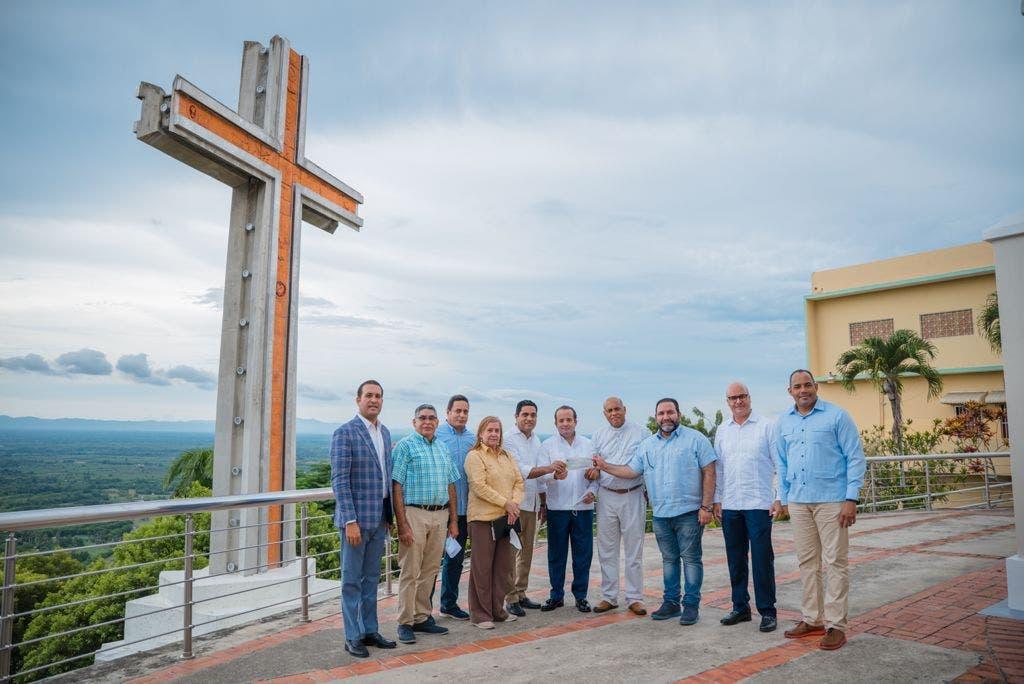 Ministro José Paliza entrega fondos para la adecuación del Santo Cerro