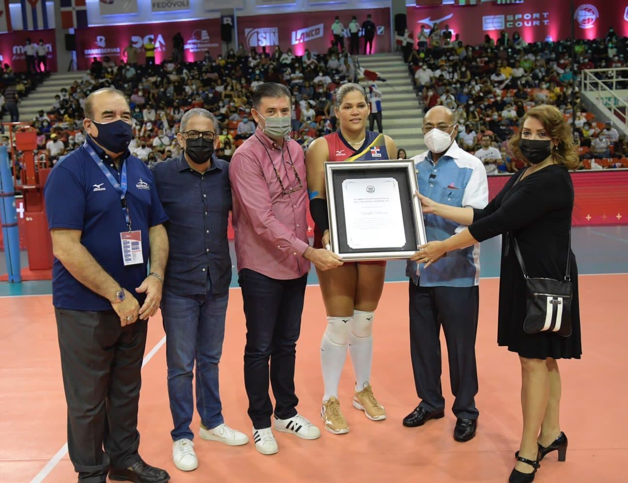 Tribunal Constitucional reconoce trayectoria de la atleta Priscilla Rivera