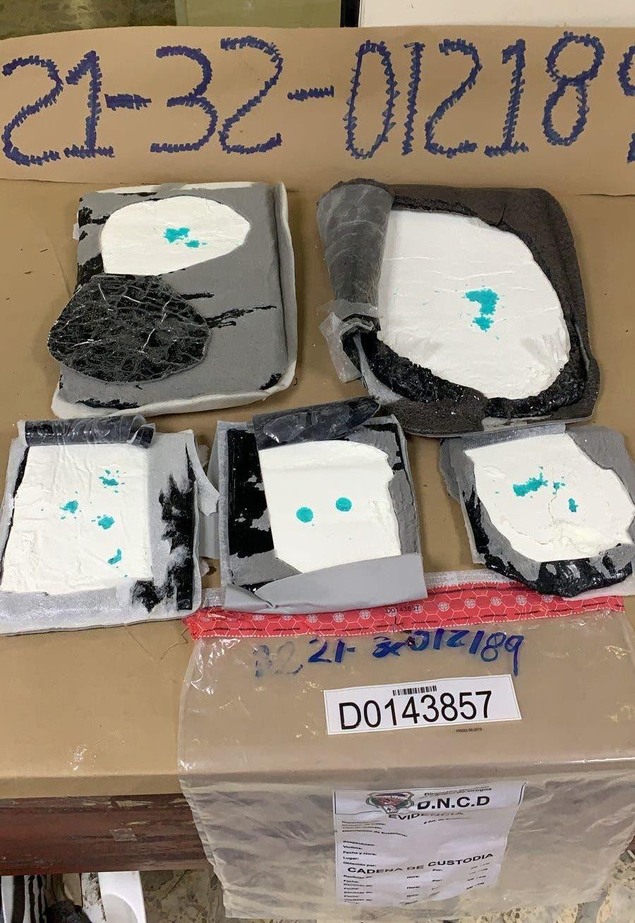 Autoridades se incautan más de 3 kilos de cocaína en el Aeropuerto Las  Américas