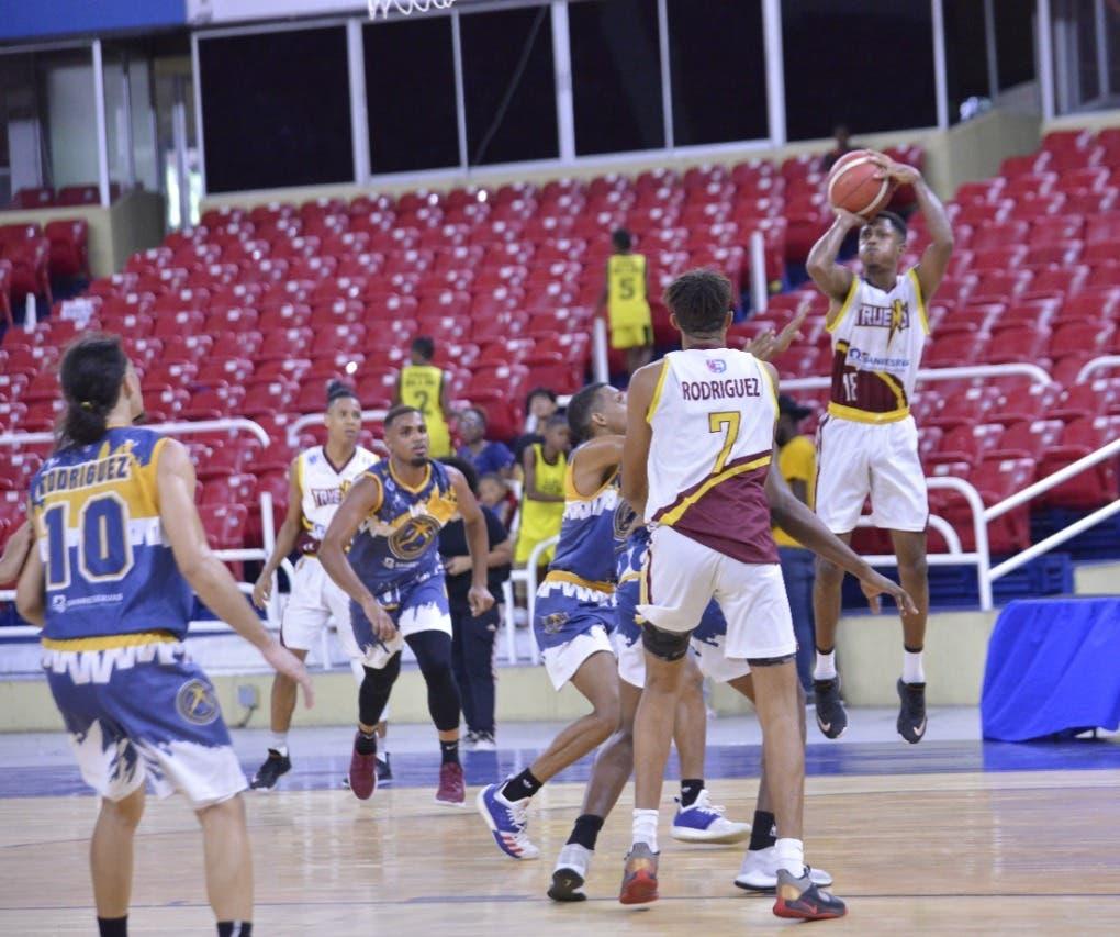 Anpherne Acevedo, logra el primer triple doble en la naciente Liga Nacional de Desarrollo
