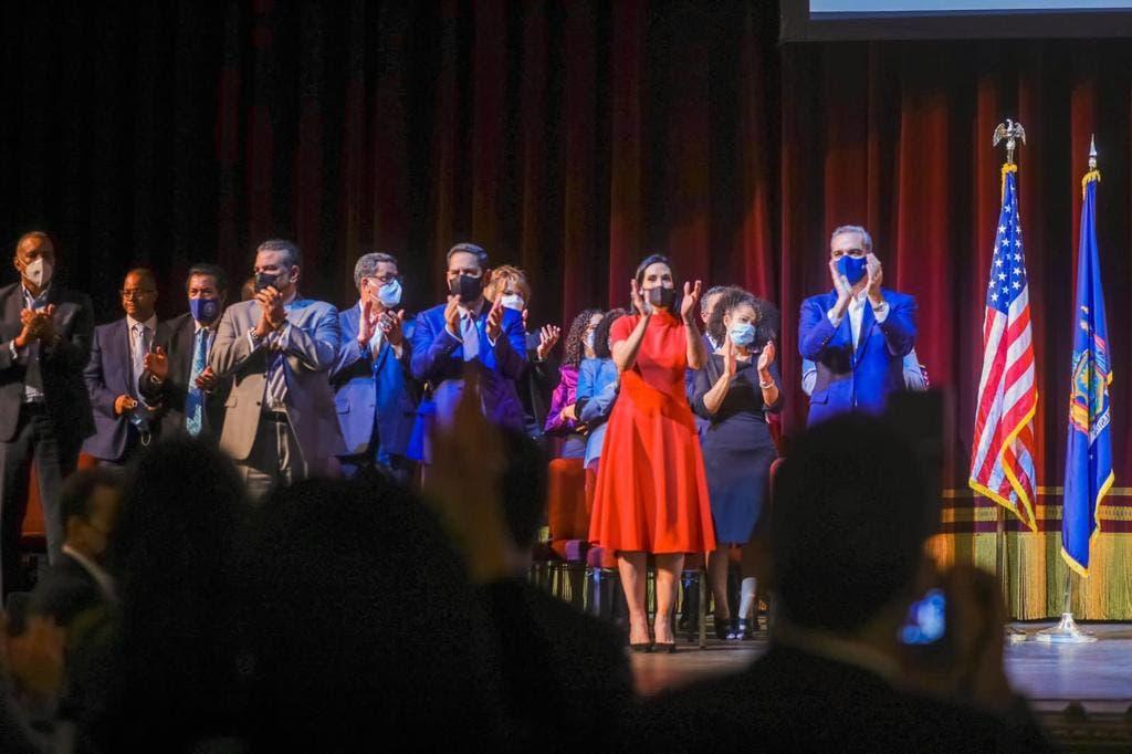 Presidente Abinader recibe propuestas de más diáspora dominicana en Nueva York