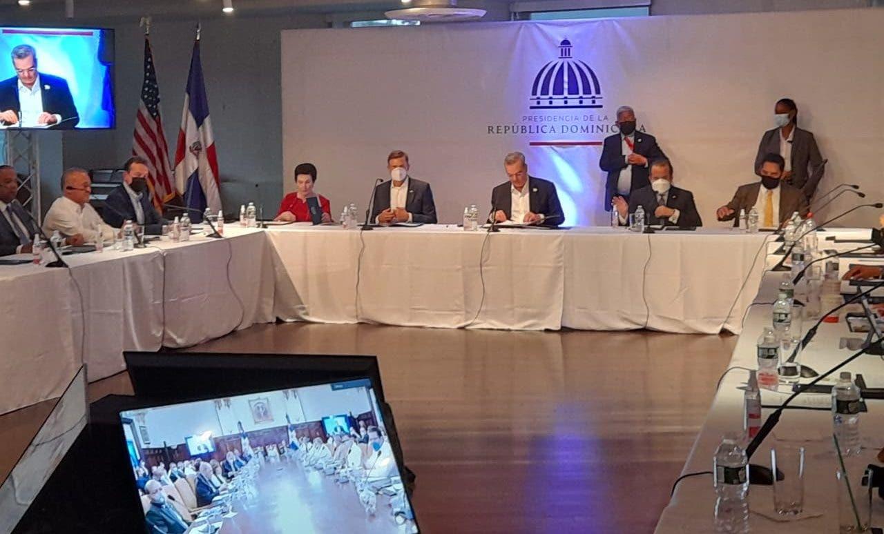 Abinader encabeza Consejo de Ministros de forma remota desde Nueva York