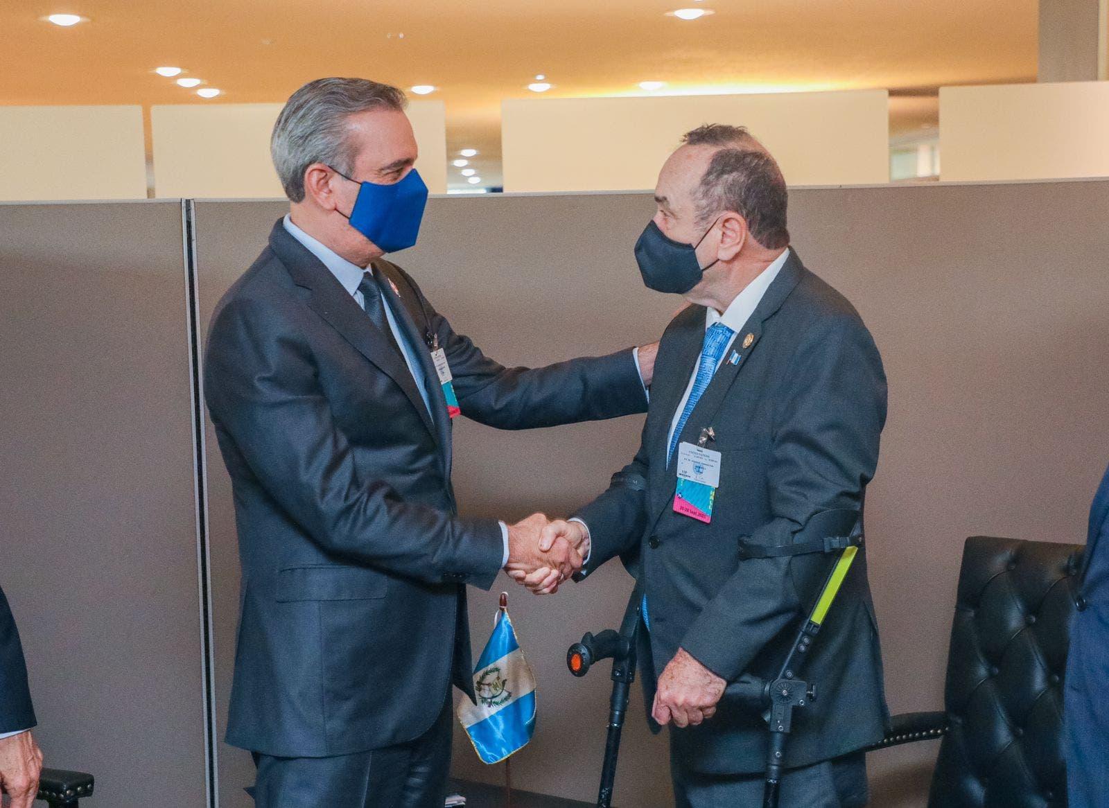 Presidente Abinader se reúne con presidentes de Guatemala y Ecuador