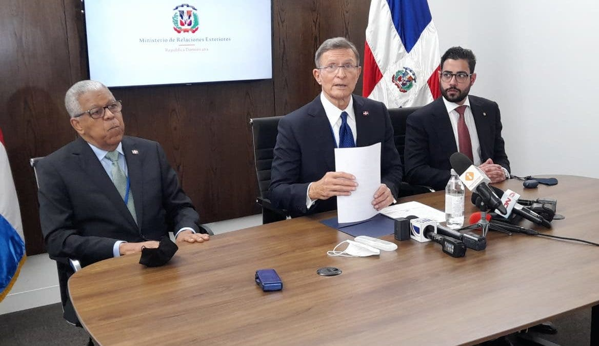 Presidente Abinader y homólogos de Costa Rica y  Panamá expresan preocupación por crisis de Haití