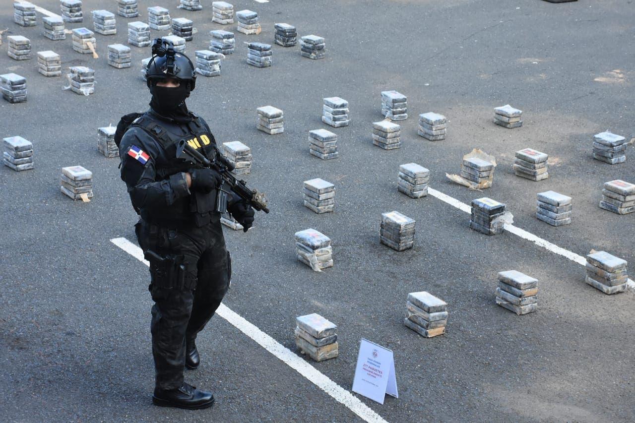 Fueron 277 los paquetes de cocaína hallados en avioneta accidentada; buscan ocupantes