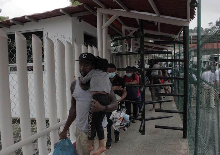La Guardia Nacional de México detiene a 150 migrantes haitianos en frontera