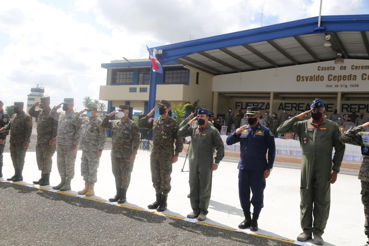 Ministro de Defensa encabeza acto recibimiento aspirantes conscriptos FARD
