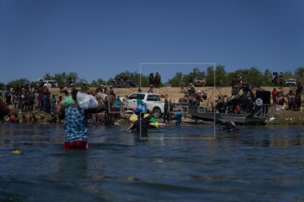"""Dimite el enviado especial de EEUU a Haití por """"trato inhumano"""" a migrantes"""