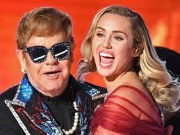 Elton John hace dupla con Nicki, Miley y más en nuevo álbum