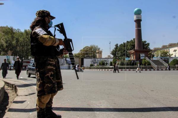 Talibán dice que no cooperará con EEUU para contener a ISIS