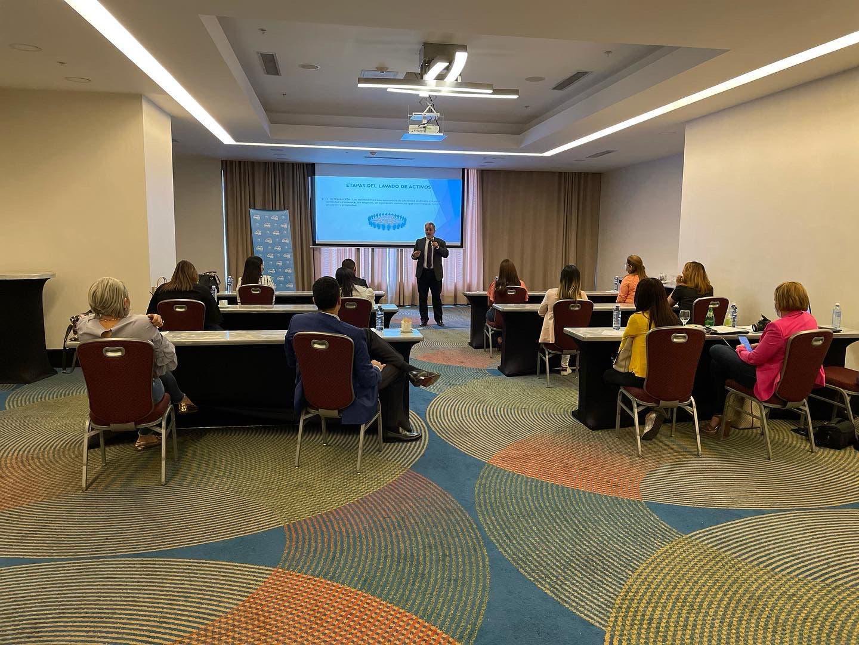 Loteka imparte seminario sobre prevención de lavado de activos