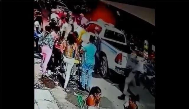 Policía dispone investigación sobre muerte de un hombre en incidente con patrulla policial en Azua