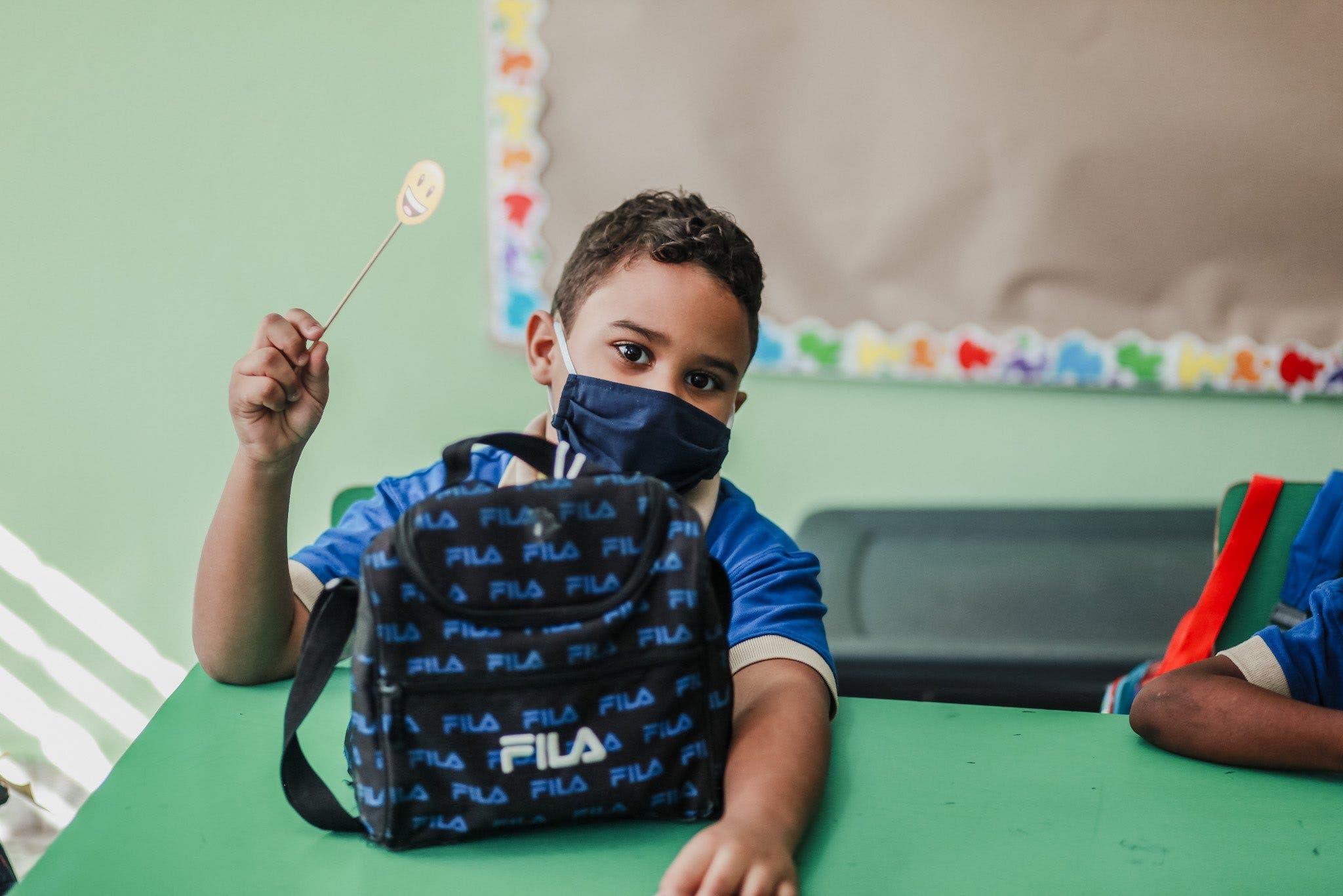 """Reabren las escuelas con """"riguroso"""" protocolo sanitario por Covid"""