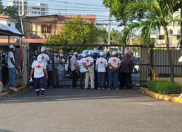 «La sangre llega al río» en la Cruz Roja; varios heridos en disputa por control de la entidad