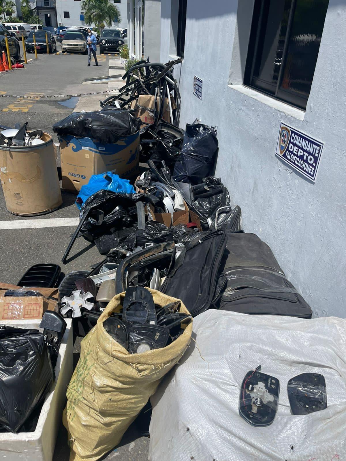 Policía desarticula banda robaba retrovisores en Gran Santo Domingo