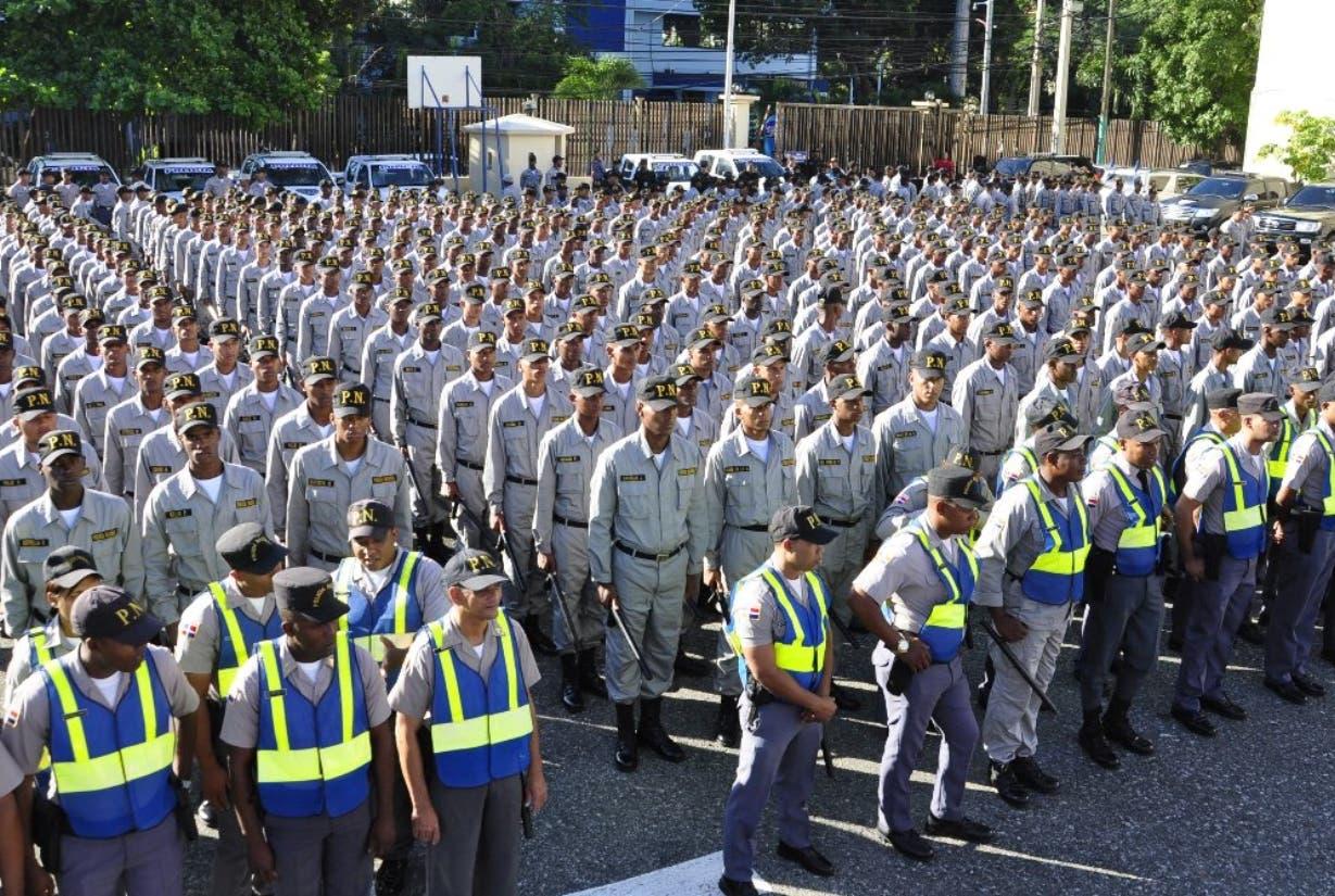 Comisión cita problemas afecta desempeño Policía Nacional