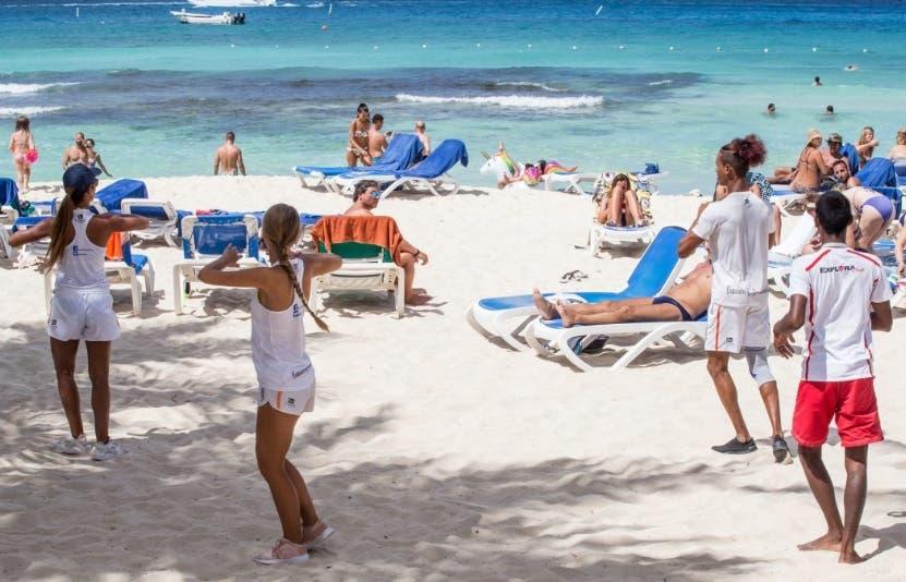 Los turistas podrán entrar a  los hoteles sin tarjeta ni PCR