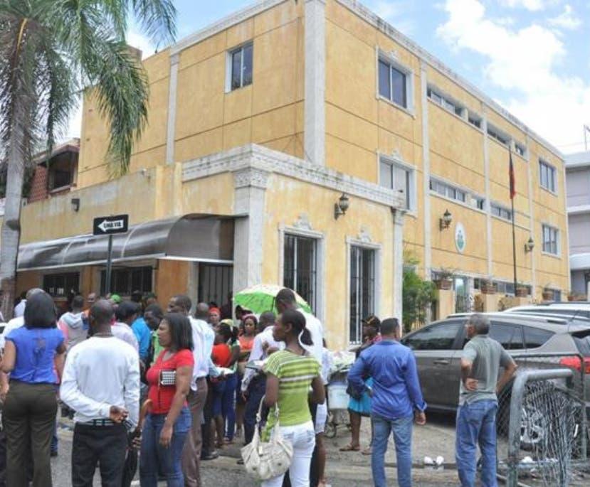 Pelegrín Castillo alerta al país por la situación haitiana