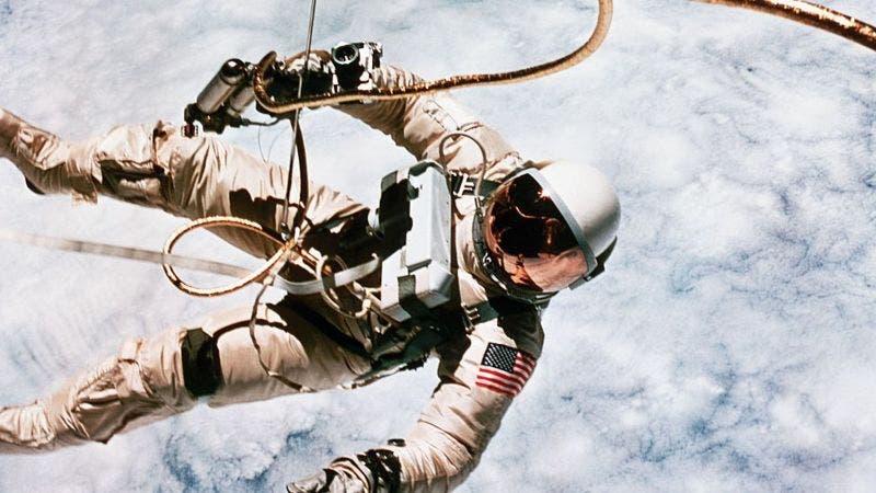 Qué les pasaría a nuestros cuerpos si muriéramos en el espacio