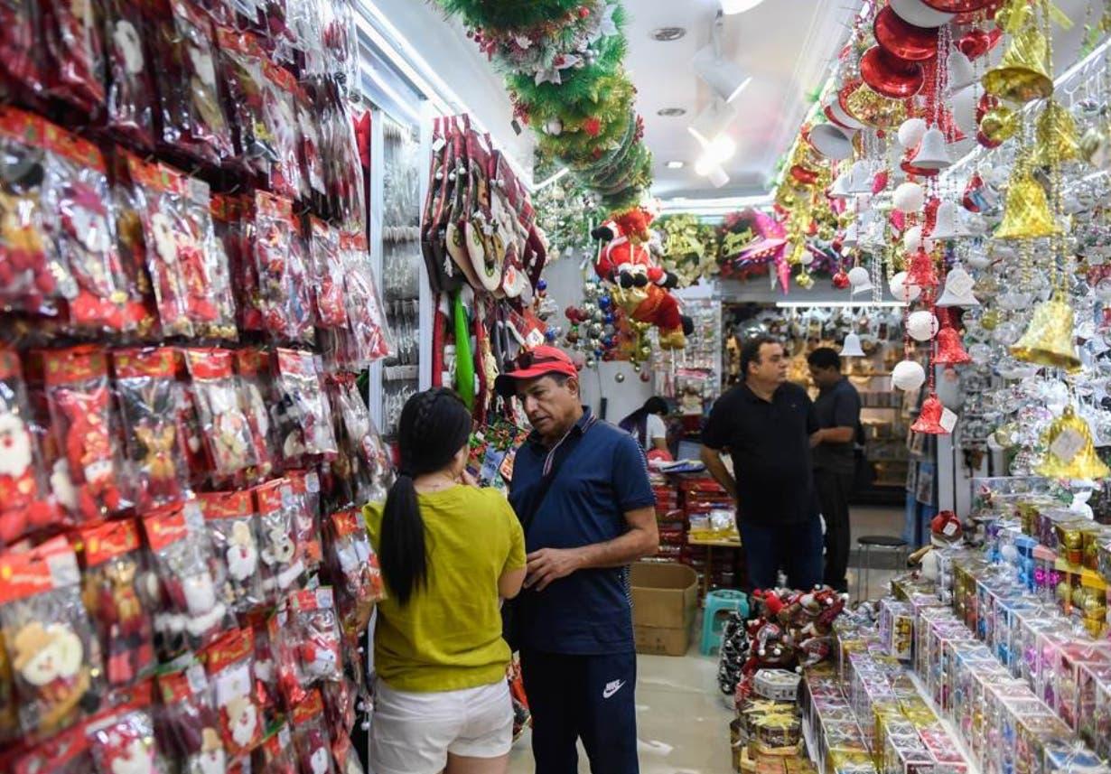 Empresarios garantizan productos para Navidad